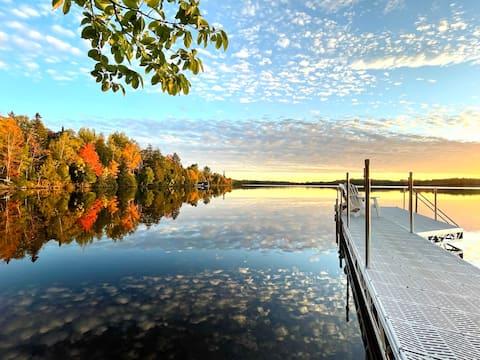 Lake Frontage, Sunsets, FreeWIFi/Netflix, & Trails