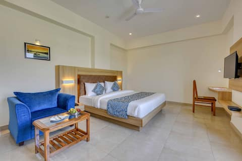The Amarai Velly Resort 6 Rooms and Pool