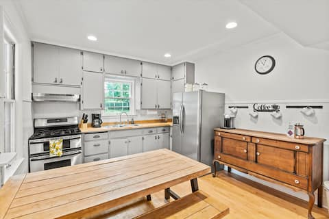 Cozy 3-bedroom home - walk to downtown