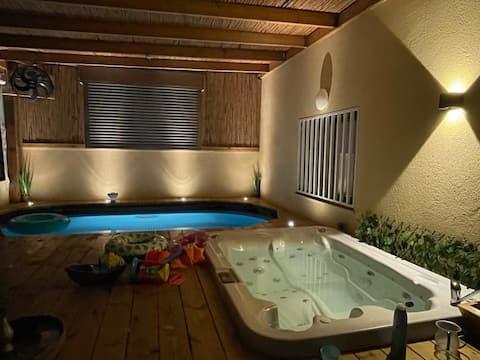 ZimYam,Lovely kosher suite Jaccuzi & heated pool