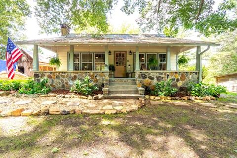The Cottage at Jula Fields *Pet Friendly*