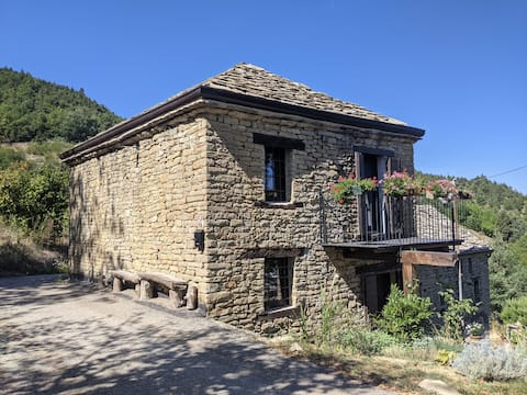 Unique stay in Rué - Alta Langa Stone house
