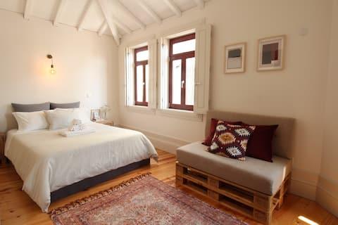 Virtudes Charming Loft | Porto Historical Centre