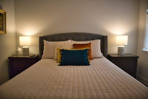 Stylish 1-bedroom Loft
