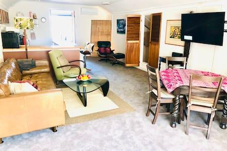 Spacious attic apartment in Coogee