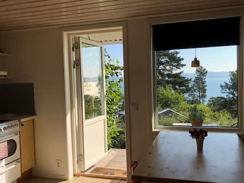 Lägenhet med egen ingång, uteplats o Vätterutsikt