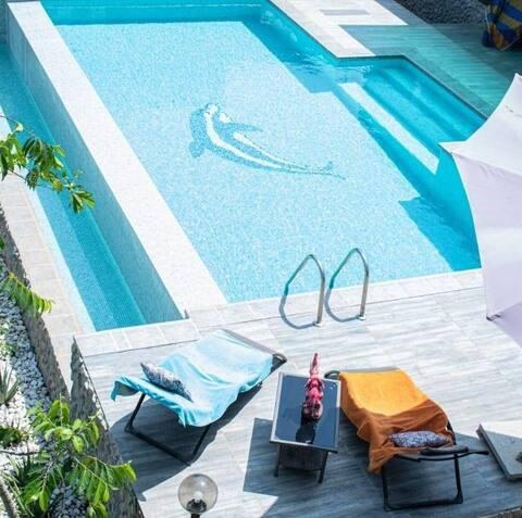 Petit cocon privatisé et sa piscine à débordement