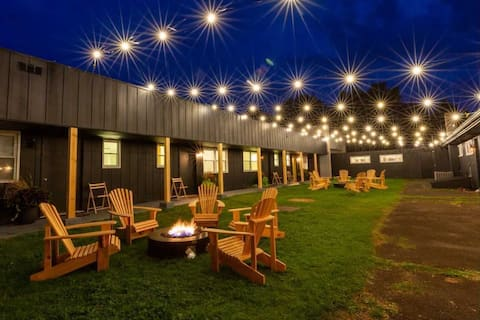 Modern Boutique Berkshires Lodge in Columbia Co NY