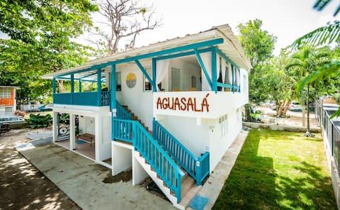 AguaSalá Beach House, Puerto Nuevo Beach