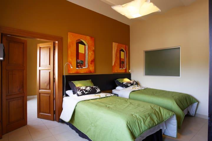 First bedroom of Samba on the 3rd floor.