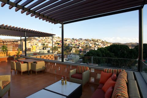 Stunning views- fully equipped apartment in Gto