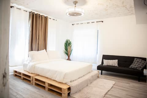 Cozy Bright 1 bedroom BISCAYNE BLVD  Miami Home