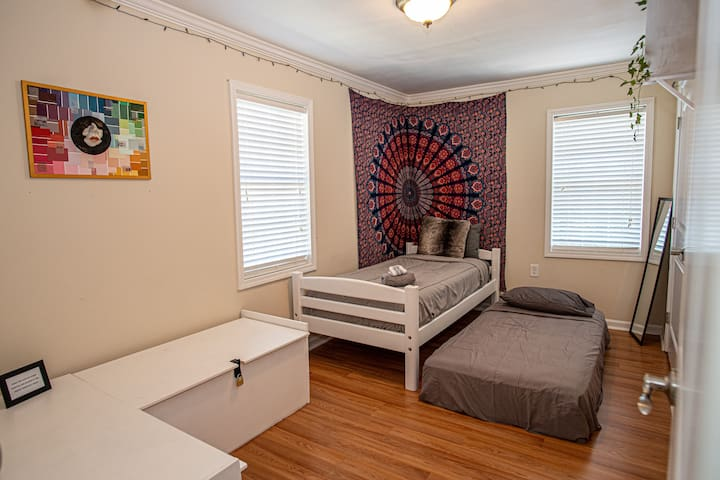 Second room - two TWIN beds. Extra blankets in unlocked cabinet and/or in ottoman in living room.