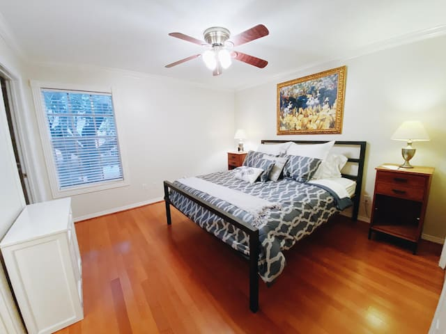 Bedroom with California King bed
