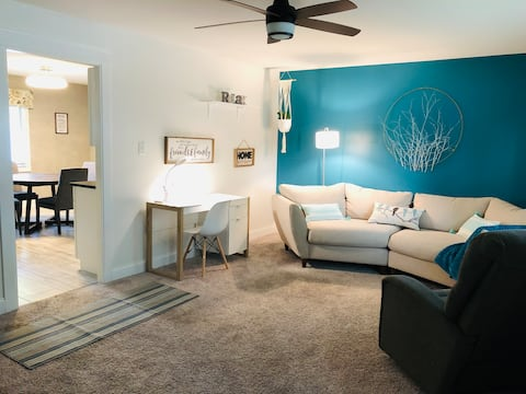 Cheerful Southside Renovated 3-bedroom Residence