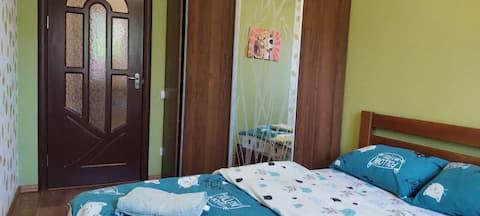 Уютная квартира с чудесным месторасположением.