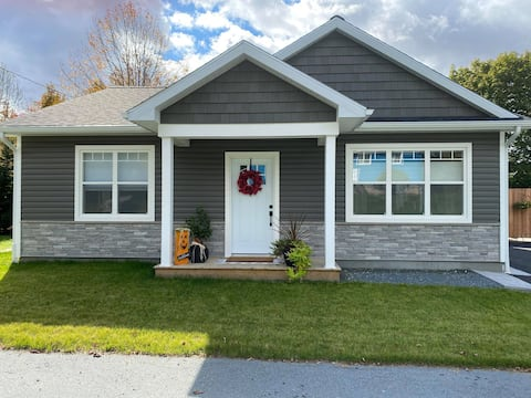 Spacious 2 Bedroom Bungalow in Liverpool, NS