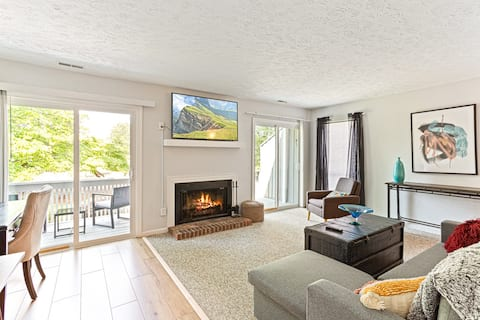 Lovely 1-Bedroom Golf-View Condo