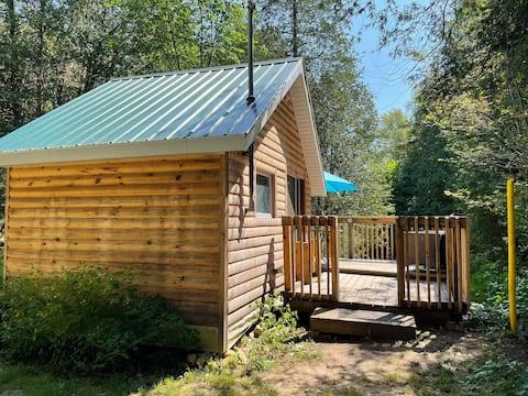 COUPLES CABIN, Cedar Lodge Campground
