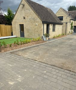 The building entrance is straight from the main drive, no steps or slopes. Perfect for wheel chair/pram.