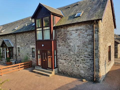 Granary, gorgeous 3 bedroom stone barn conversion