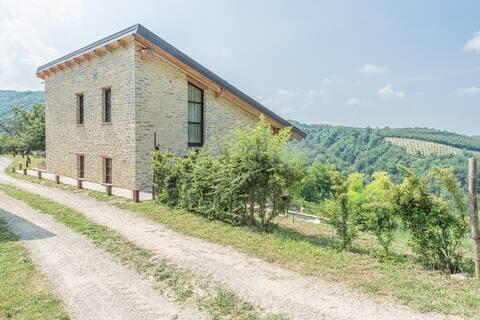 Casa delle Pigne, Langhe Hügel