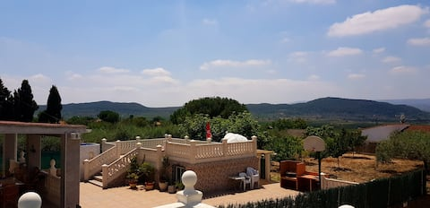 Fantastic, spacious villa with swimming pool