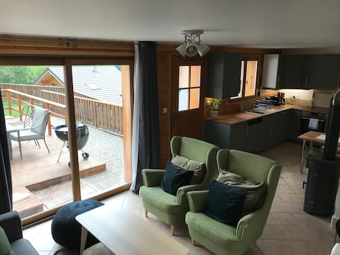 Restful 2 bed apartment for ski, cycle & family