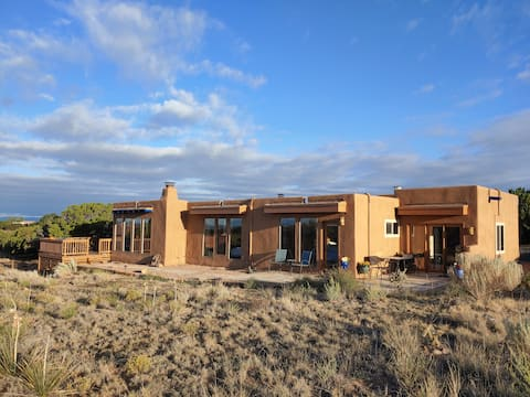 Private, Charming Pueblo Home Near Skiing
