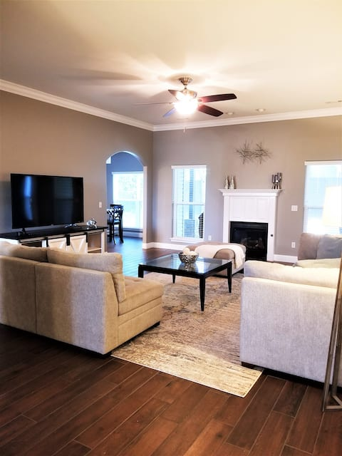 Spacious, newly remodeled 3 bedroom home