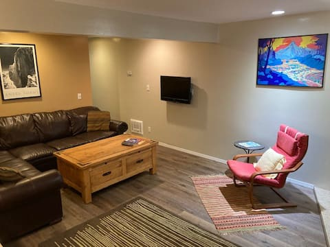 Lovely 1BR with Hot Tubs in Heart of Mammoth-#9475