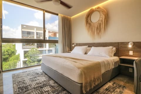 Modern & Homely Luxury Suite with Pool & Gym