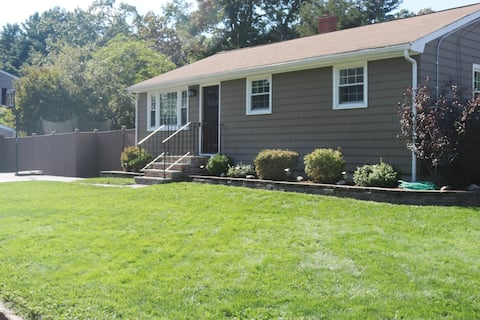 Residential home ▪ Billerica ▪ quiet, clean & cozy