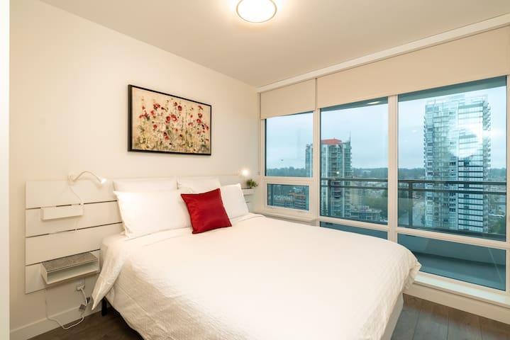Bedroom #1 w/ Queen Size Bed