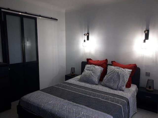 1ère chambre du bas, lit 160