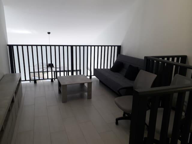 Mezzanine étage, 4ème chambre ou coin repos
