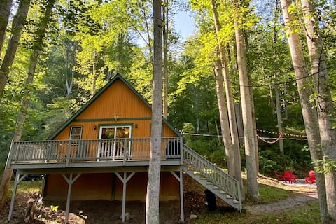 Cozy A-Frame Cabin in the Mtns. w/ 5 Acres & Creek