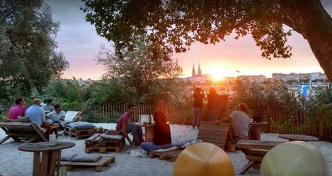 Bordeaux, agréable petite maison bien située