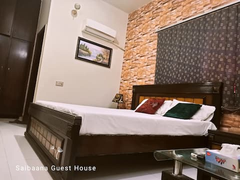 Saibaan Guest House - Cheerful stay with 9 bedroom