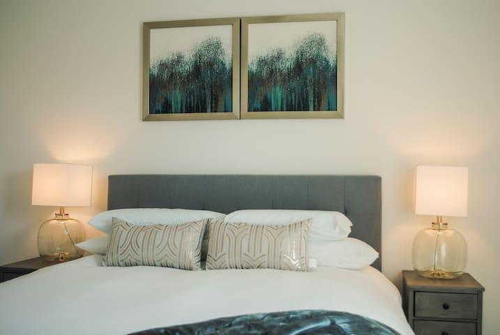 Bedroom  4, (Queen Bed)
