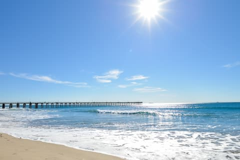 Lovely 2-bedroom beach condo with amenities galore