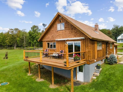 Roomy Rustic Log Cabin on 21 Acres! Views  Galore!