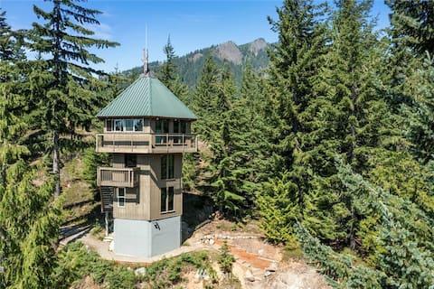 Mountain Tower Cabin Near Lake Kachess