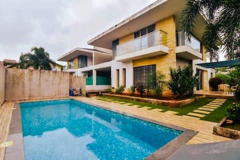 Veritas Villa by Limestays