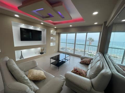 Best caribbean view 1BR king size, private parking