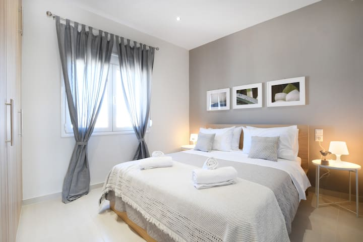 Bedroom  with high-quality bed linen 100% cotton.