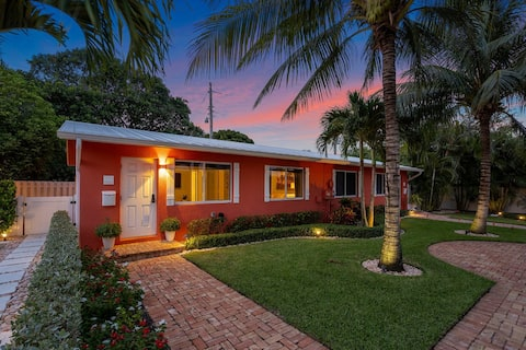 The Coconut Cottage  in the Cutest Part of Delray