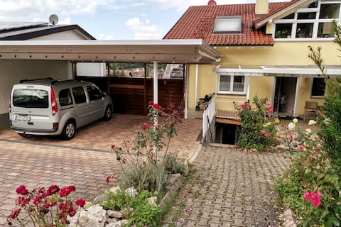 Schöne Ferienwohnung mit Terrasse