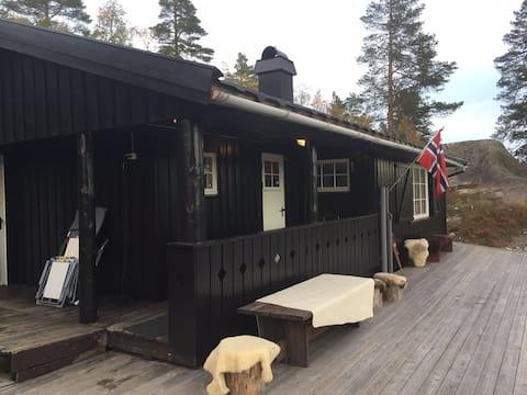 Hytte sentralt på Bortelid. m/anneks+utestue