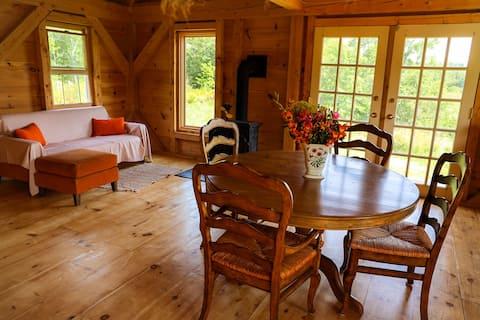 Charming 2 bedroom nature retreat cabin